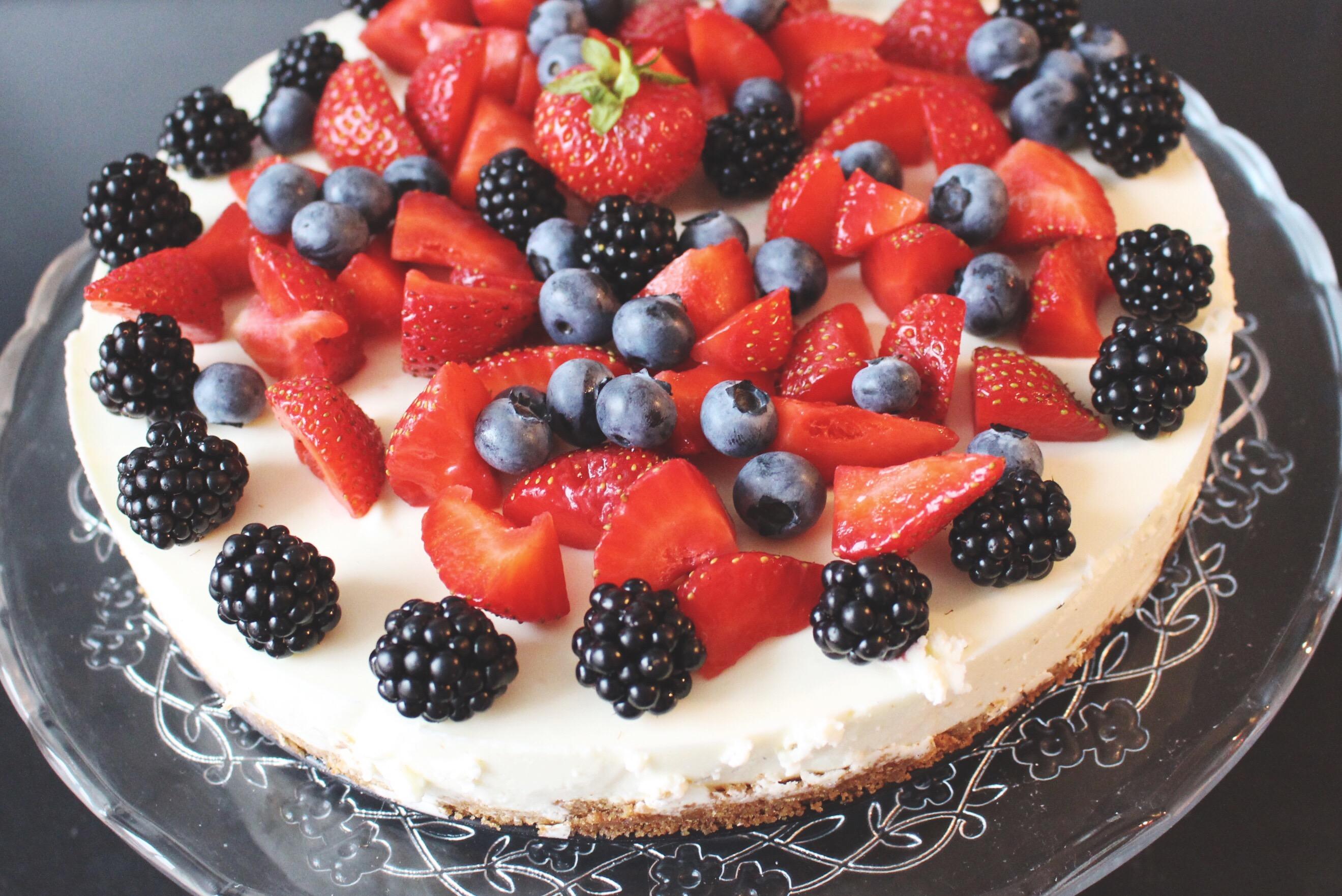 Raw Cake: Topfen trifft Beeren